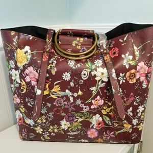 Handbags - New floral ring handle tote bag
